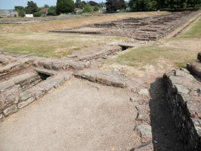 Wales, Roman Amphitheatre of Caerleon (Isca)    by E.V.Pita /   http://evpitapictures.blogspot.com/2015/04/wales-roman-amphitheatre-of.html   /  Gales, anfiteatro de Caerleon (Isca)   por E.V.Pita